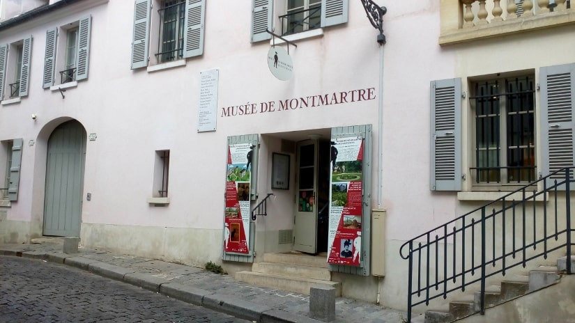 The lack of disabled access to the Montmartre Museum. Three steps lead up to entrance from the pavement. The disabled entrance to left is made difficult by a small step and no ramp.