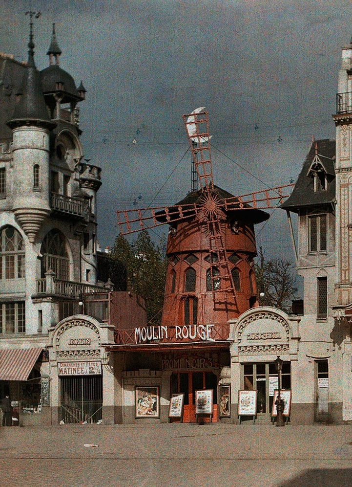 A pre-fire 1914 coloured image of the Moulin Rouge from Wikipedia